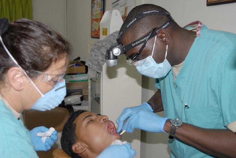 Cosmetic Dentist Oak Park CA